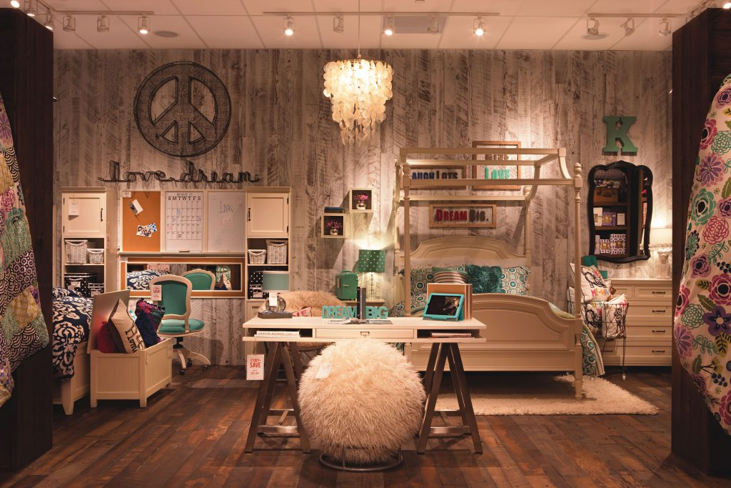 newport beach magazine grand openings newport beach magazine. Black Bedroom Furniture Sets. Home Design Ideas