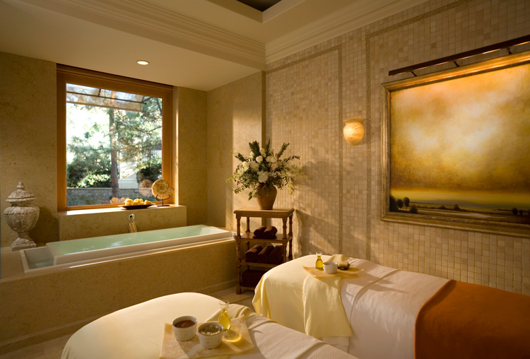 Spa-Treatment-Room-courtesy-of-Pelican-Hill