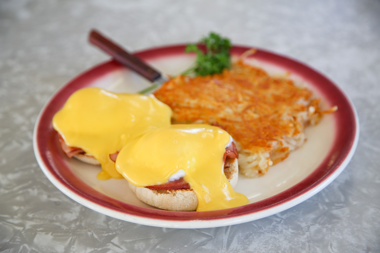 web-NBM_33_24-Hours_Galley-Cafe_Eggs-Benedict_By-Jody-Tiongco-12