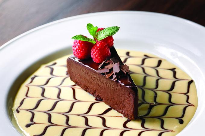 Mastro-Restaurant-Chocolate-Sin-Cake