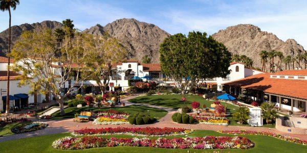 Resort Plaza