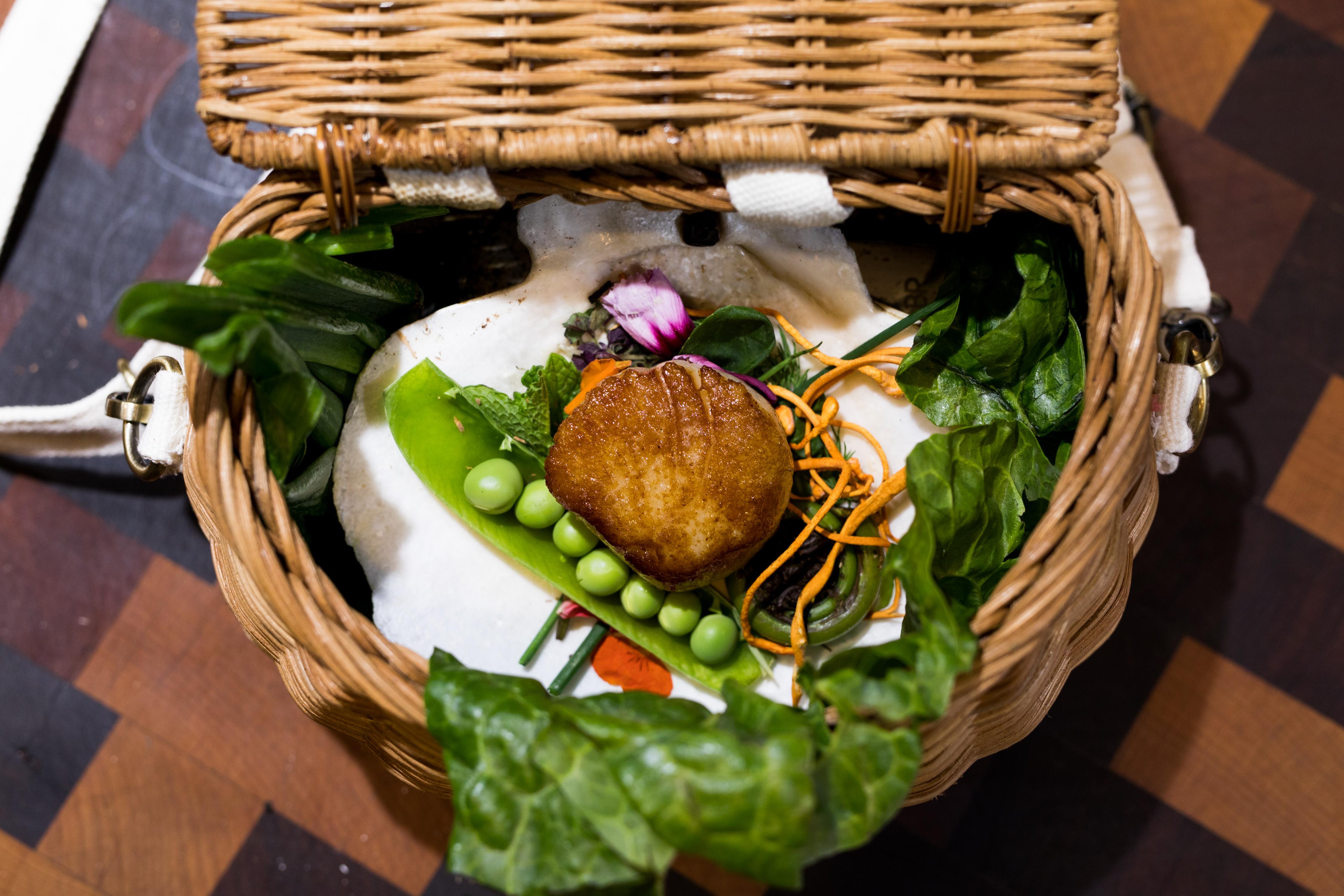 Mayor's Table basket