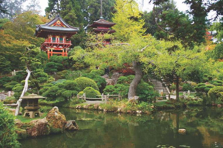 Japanese tea garden San Francisco_by Irina Kosareva/Shutterstock.com