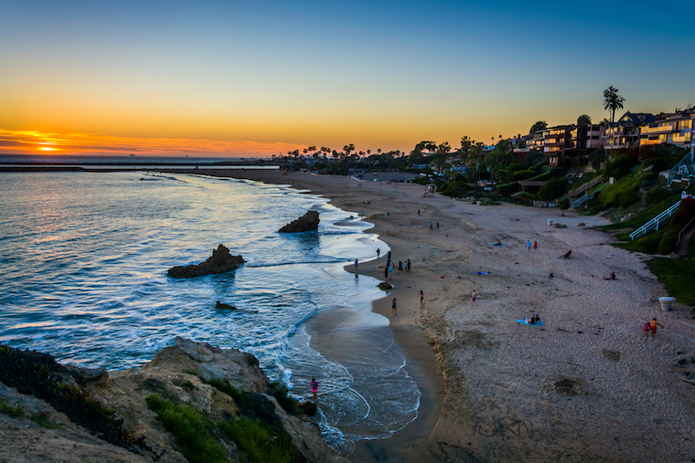 Corona del Mar State Beach_credit Jon Bilous/Shutterstock.com
