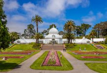 conservatory of flowers shutterstock_1092101291_by Apostolis Giontzis/Shutterstock.com