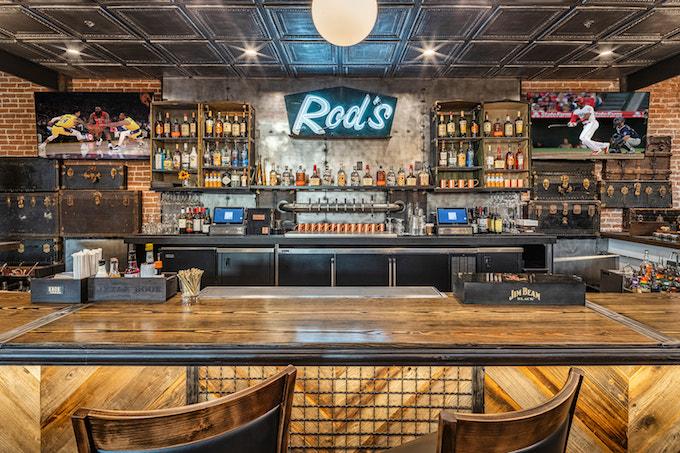 Rod's bar at Bosscat Orange