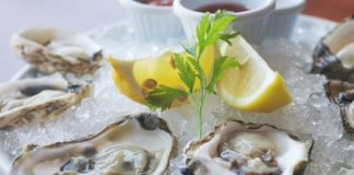 Fly-N-Fish Oysters_courtesy of Fly N Fish Oyster Bar & Grill